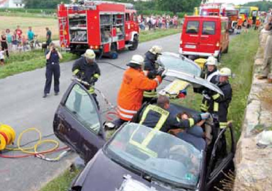 Feuerwehr Weinheim Übung Kreisverbindungsstraße Sulzbach